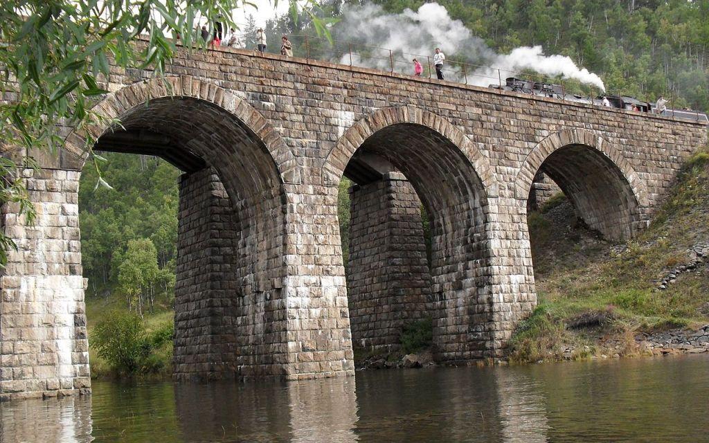 Baikalbahn-Brücke, gebaut Anfang 20 Jahrhundert