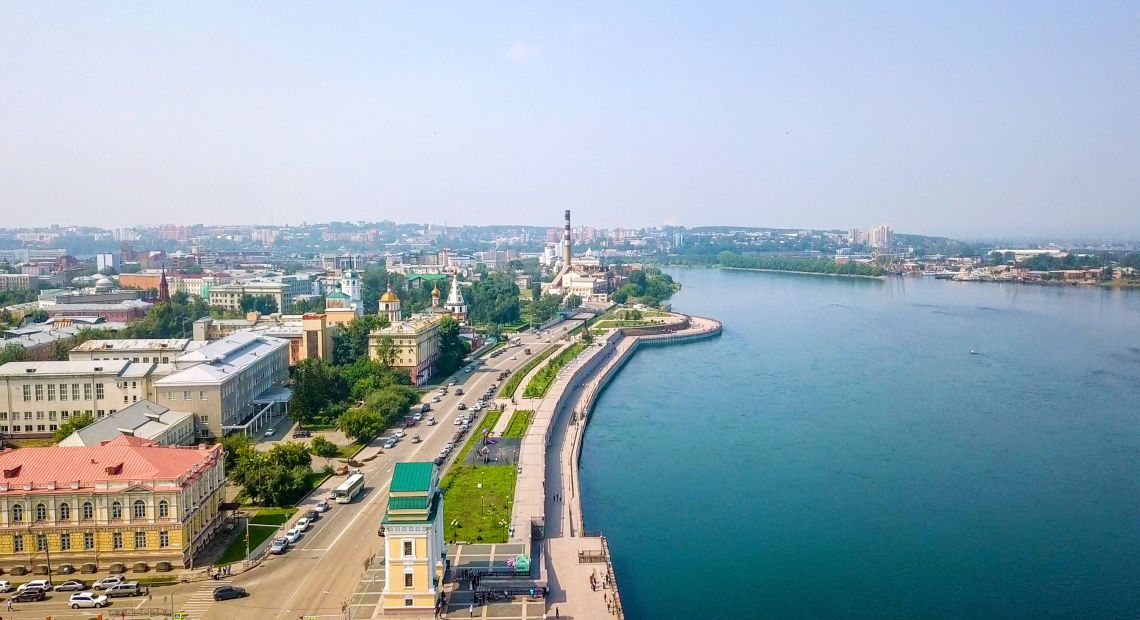 Irkutsk. Ufer des Flusses Angara