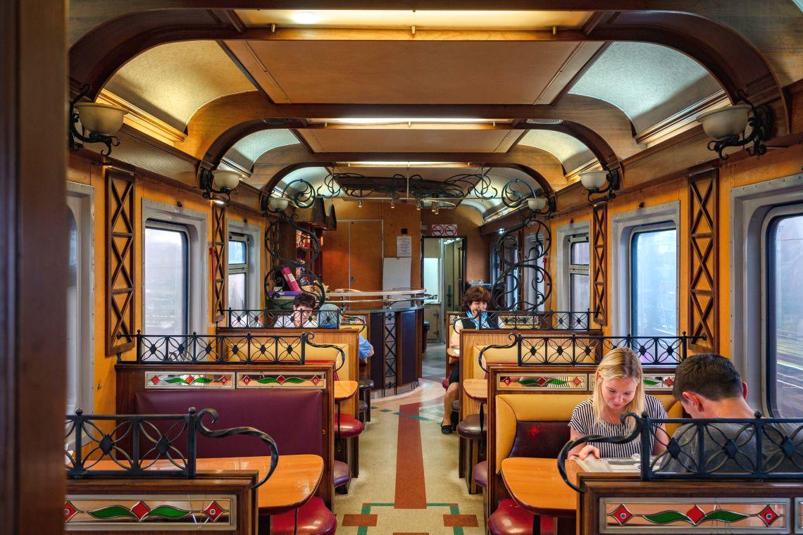 Zug-Restaurant der Transsibirischen Eisenbahn